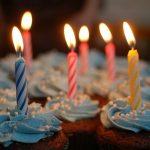 Jaki prezent na 18 warto kupić? Przegląd pomysłów na upominek na 18 urodziny